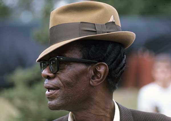 lightnin-with-hat